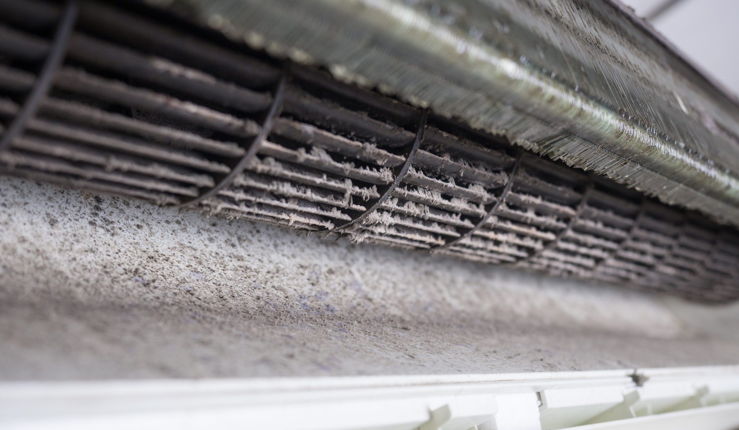 【7 Questions about Air-conditioner Cleaning】All you need to know about air-conditioner detergent and the pros & cons of air-conditioner cleaning service from the expert consultant, Yeung Ming Lam